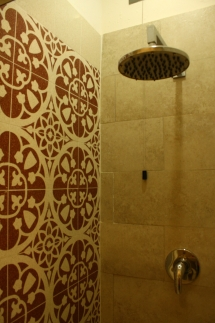 Fanciulla_West_Shower