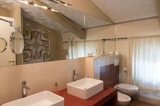 Principe_Persia_Bathroom_2