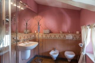 Timur_18_5_Bathroom